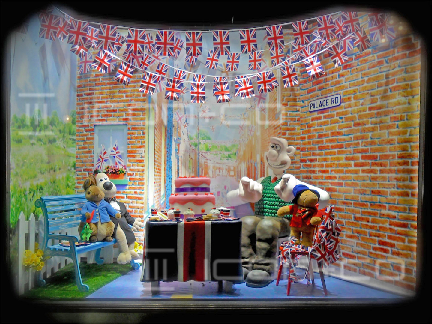 Sculpted 3D props, scenic artist, large format printing, wallace & gromit, paddington bear, royal wedding London