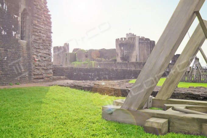 Giant props, faux military re-enactment props, life-size models, trebuchet, castle, fake timber