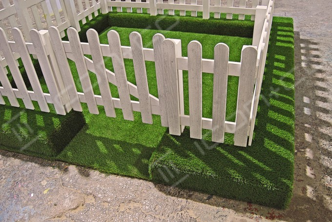 Picket Fence Display Props, carpentry joinery, retail display, fake picket fence, white gate prop, life size props, giant props