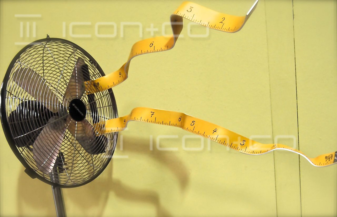 summer fan animated display prop, sweltering, hot, dunhill custom, fake simulated, mock bespoke retail shop window display props, fake fan, blower,