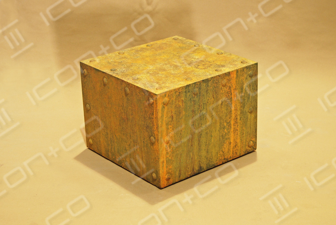 MDF display plinths, rust rusty display plinths, mannequin base box, storage, texture, urban vintage, distressed effect. faux rust, fake, paint effects