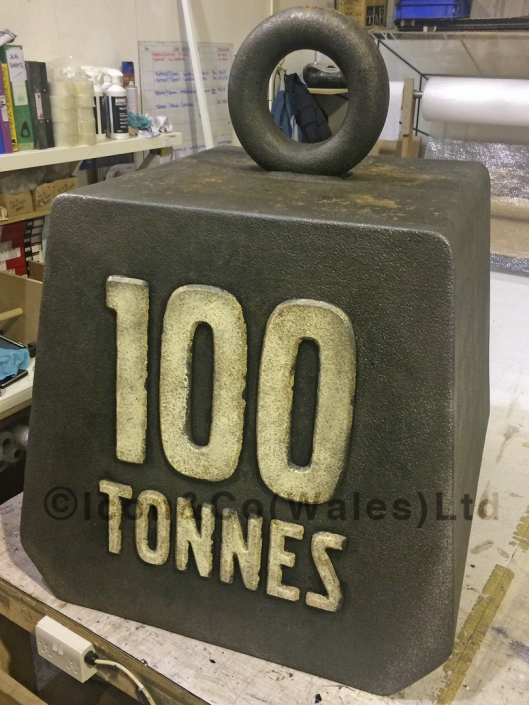 giant ton tonnes prop, pretend vintage style weight, oversize Victorian retro iron bar weights